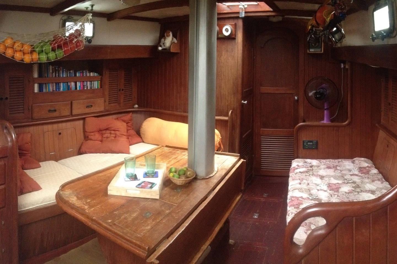 Petite cabine sur un voilier