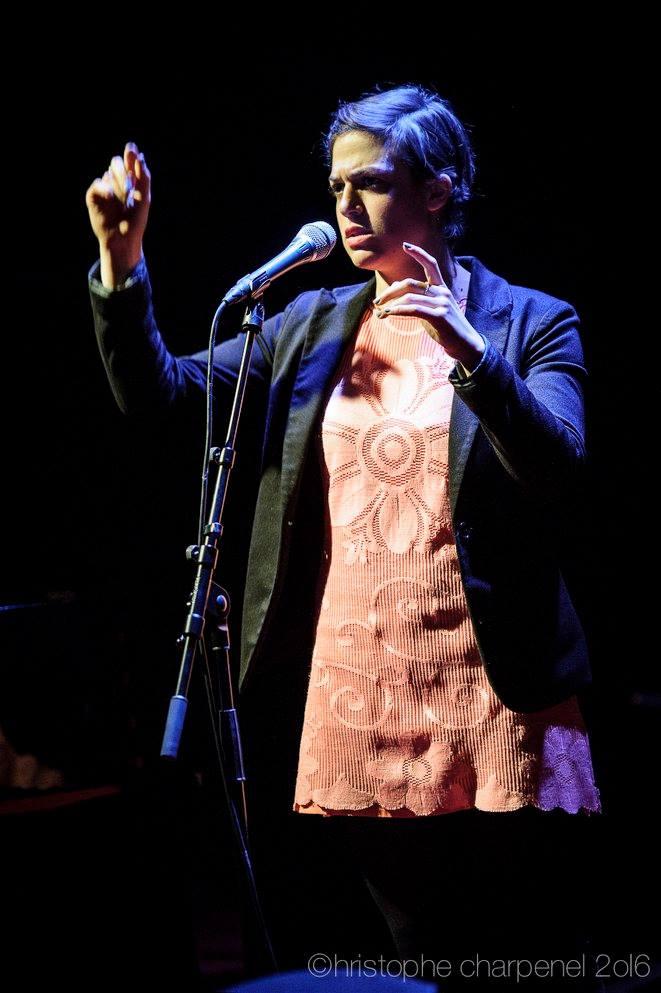 Chanteuse/improvisatrice/compositrice franco-australienne cherche lieu de résidence